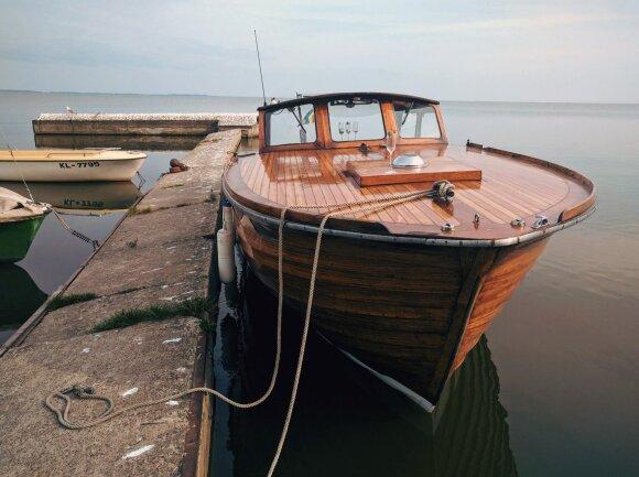 "Medinis motorlaivis ""Knubb II"""