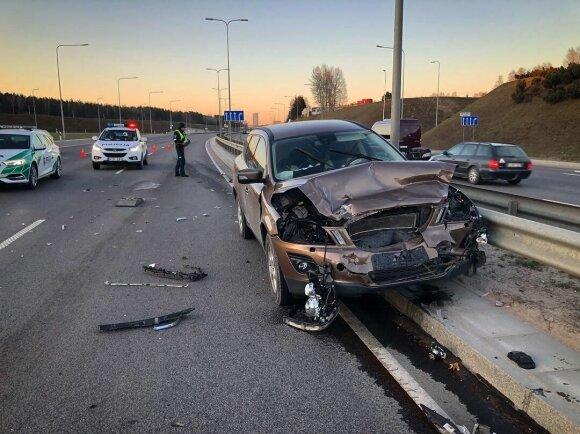Sunkus eismo įvykis Vilniaus Vakariniame aplinkkelyje