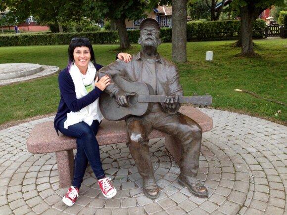 Unikalaus balso šarmingoji portugalė Viviane sudrebins širdis