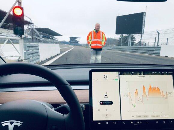 """Mantas Mikuckas """"Press ralyje"""" dalyvaus su """"Tesla Model 3"""""""