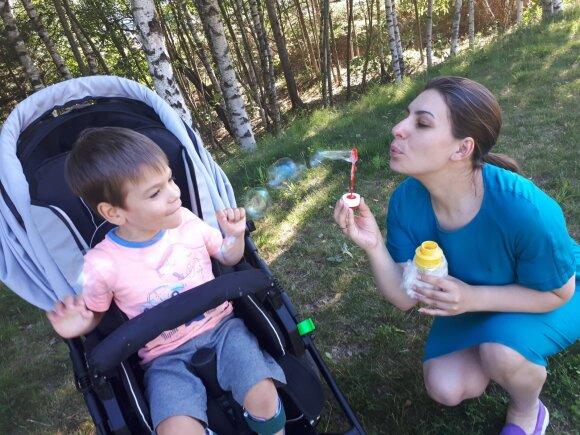Lukas su mama