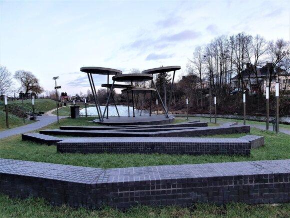 Garliava stebina vietomis, vertomis turistų akių: istorinė architektūra, skulptūros ir jaukūs parkai