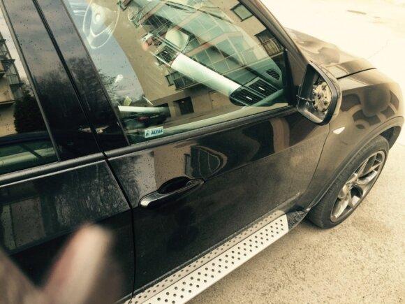 BMW vairuotojo nuotaiką gadina įžūlūs vagys