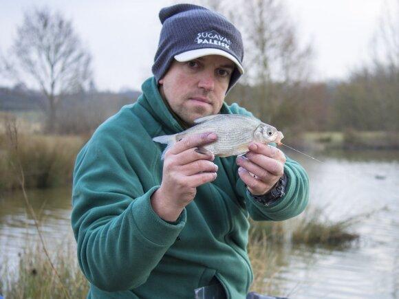Liaunais įrankiais net vidutinio dydžio karšiukus smagu žvejoti