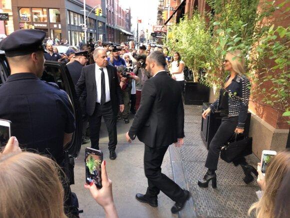 Minia gerbėjų laukia Kate Moss