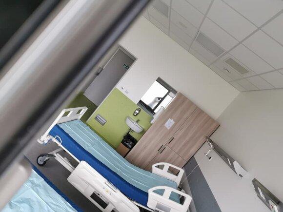 Отрицающие коронавирус граждане перешагнули черту: атаковали больницы, следили за пациентами