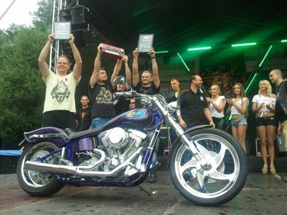 Crazy bike nugalėtojas - motociklas Harley Davidson Nightrod
