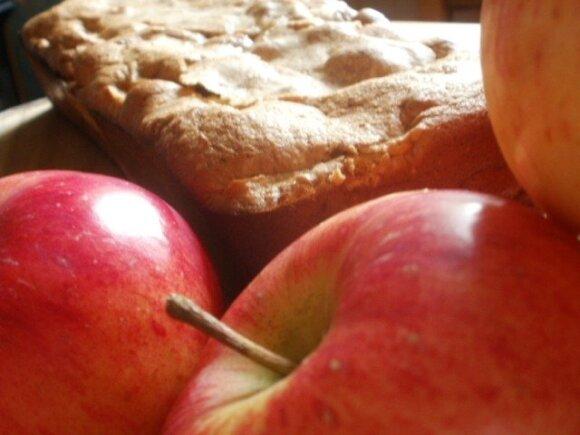 Sultingas obuolių pyragas