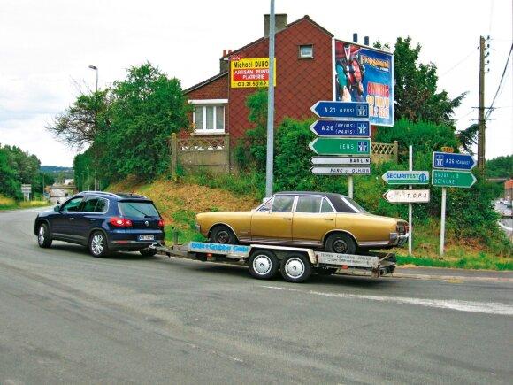 """""""Tiguan"""" užsirekomendavo ir kaip darbinis arklys: VW vienatūris gali tempti (sudedamas ir paslepiamas kablys papildomai kainavo 820 Eur) iki 2100 kg."""