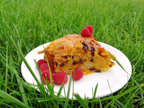 Nuodėmingai skanus drėgnasis morkų pyragas su šokoladu