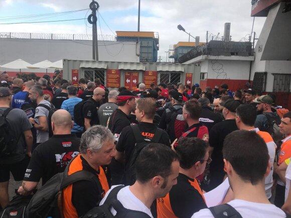 Benediktas Vanagas ir Antanas Juknevičius laukia technikos atsiėmimo Limos uoste
