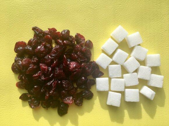Džiovintos spanguolės, kuriose net 76,6 % cukraus