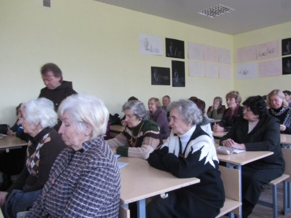 Literatūros fakulteto užsiėmimas - Sigita sėdi antroje eilėje iš krašto