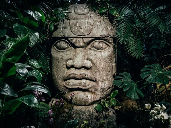 Majų skulptūra