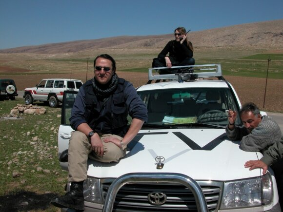 Chris Kline (left) in an airfield in north Iraq. Photo KTU
