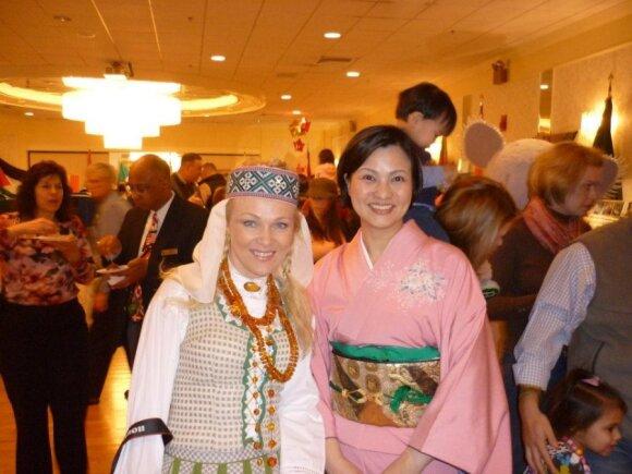 Barbora su japone, taip pat karininko žmona