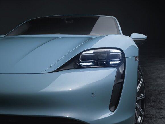"""Porsche"" pristato dar vieną elektromobilio ""Taycan"" versiją"