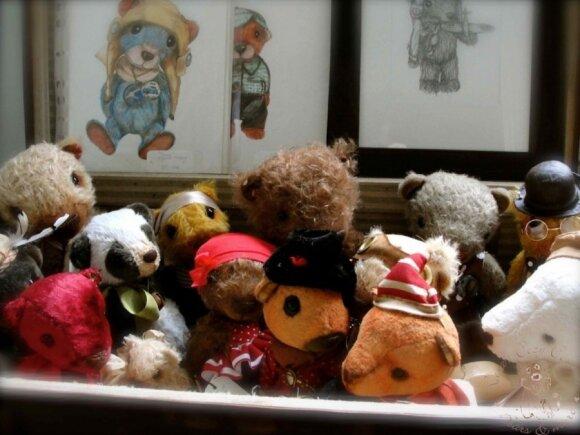 Dvi lietuvės, viena iš Kinijos, kita – Olandijos, turi dovaną Lietuvos vaikams