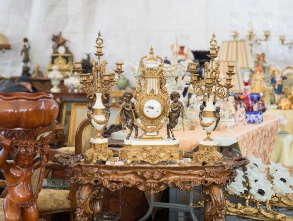 Kaune prasidėjo tarptautinis senturgis: tarp prekių – senovinis naro kostiumas bei 90-ųjų reliktai