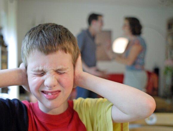 """Vaikas bėga ir iš """"gerų"""" namų: kokių klaidų nedaryti, kad tai nenutiktų"""