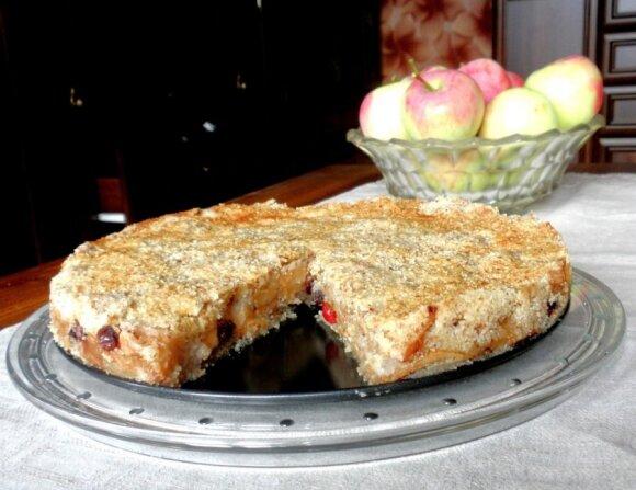 LENGVAI pagaminamas obuolių pyragas