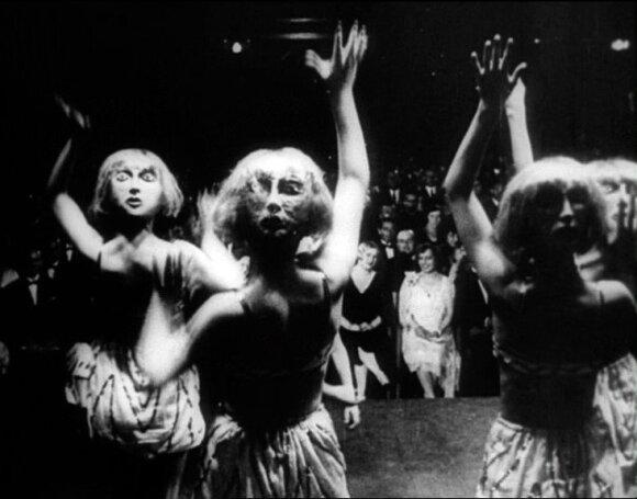 """Kadras iš filmo """"Stiprus žmogus"""" (1929)"""