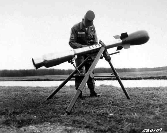 """""""M28 Davy Crockett"""" branduolinis pabūklas"""