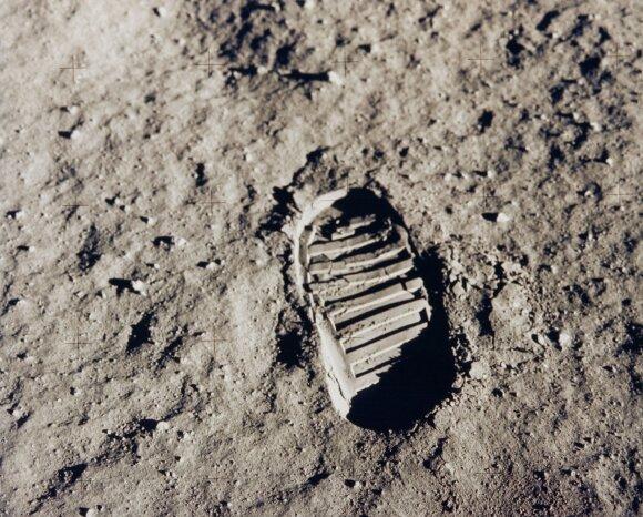 Žmogaus bato įspaudas Mėnulyje