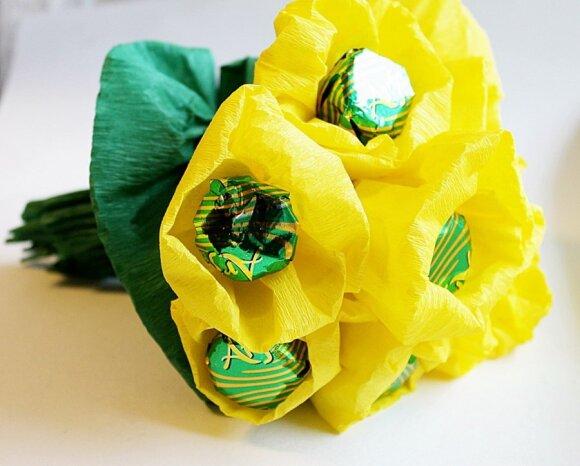 """Darome patys namuose: saldi gėlių puokštė <sup style=""""color: #ff0000;"""">(FOTO žingsnis po žingsnio)</sup>"""
