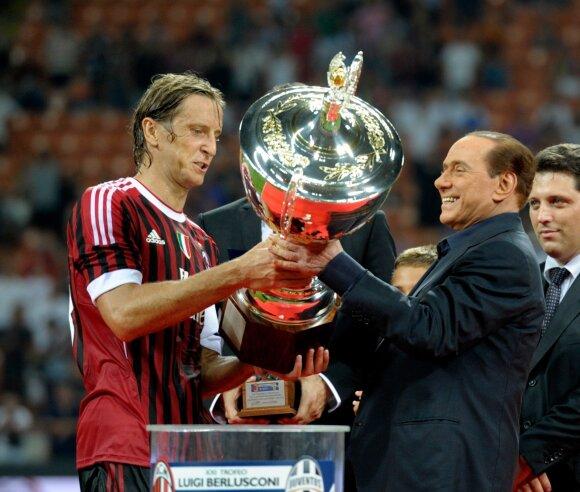 Massimo Ambrosini ir Silvio Berlusconi 2011-aisiais