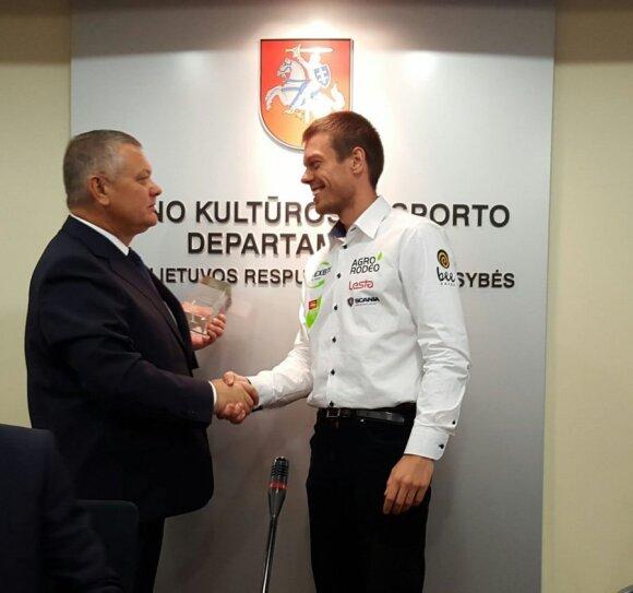 R. Austinskas sveikina V. Žalą