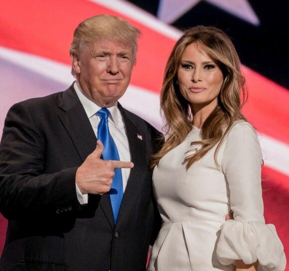 """Paviešintos <span style=""""color: #c00000;"""">labai pikantiškos</span> Donaldo Trumpo žmonos nuotraukos"""
