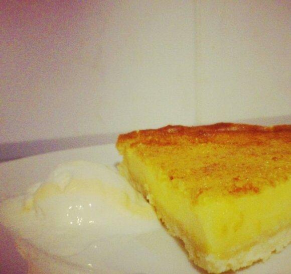 Dieviškai skanus prancūziškas crème brûlée pyragas