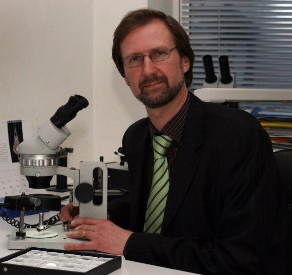 """Gemologas ir brangakmenių ekspertas dr. Arūnas Kleišmantas """"Pandemija nuo pernykščio pavasario išmokė mus dirbti kitaip."""""""