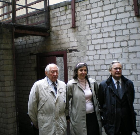 Anne-Marie Goussard with Balys Gajauskas and French Deputy Jean Jacques Guillet in KGB Museum