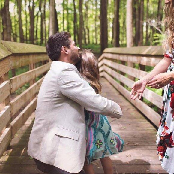Vyro poelgis sujaudino milijonus: pasipiršo ir mylimosios dukrai