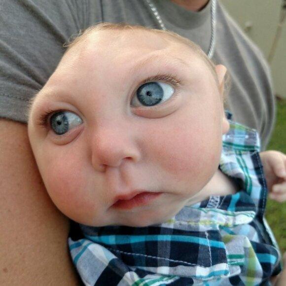 """Atsisakiusi aborto šeima džiaugiasi kiekviena sūnaus diena <sup style=""""color: #ff0000;"""">(FOTO)</sup>"""