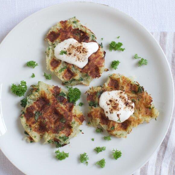 R.Ničajienės receptai: bulviniai vafliai, naminiai moliūgų makaronai ir riešutų pienas