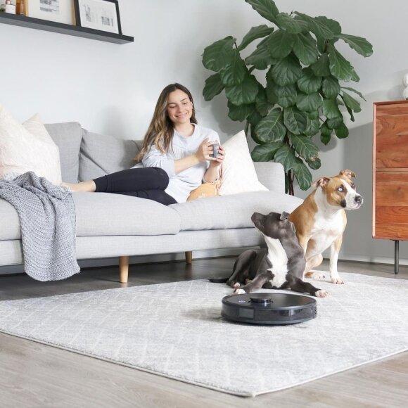 Šiuolaikiniai robotai siurbliai geba pašalinti namuose laikomų gyvūnų skleidžiamus kvapus bei efektyviai susiurbti augintinių plaukus.
