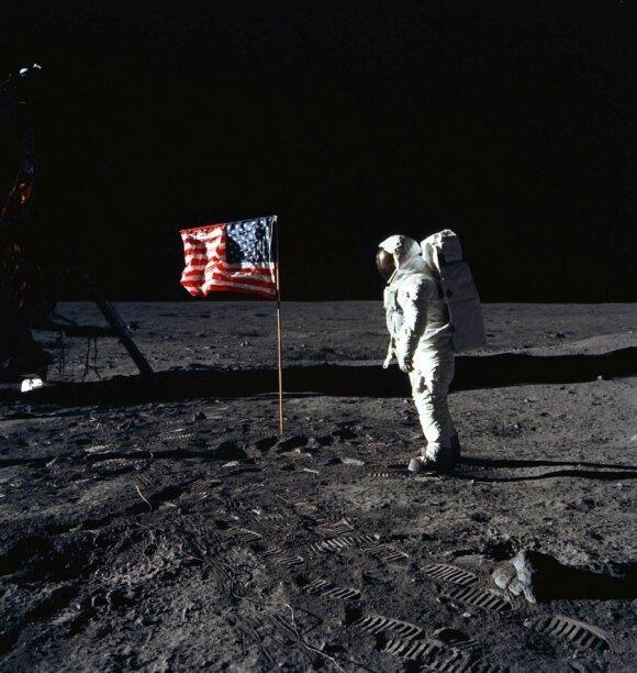 Astronautas Edwin F. Aldrin Mėnulyje