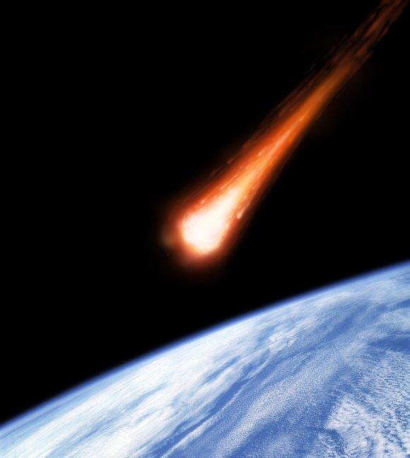 Asteroidas krenta į Žemę