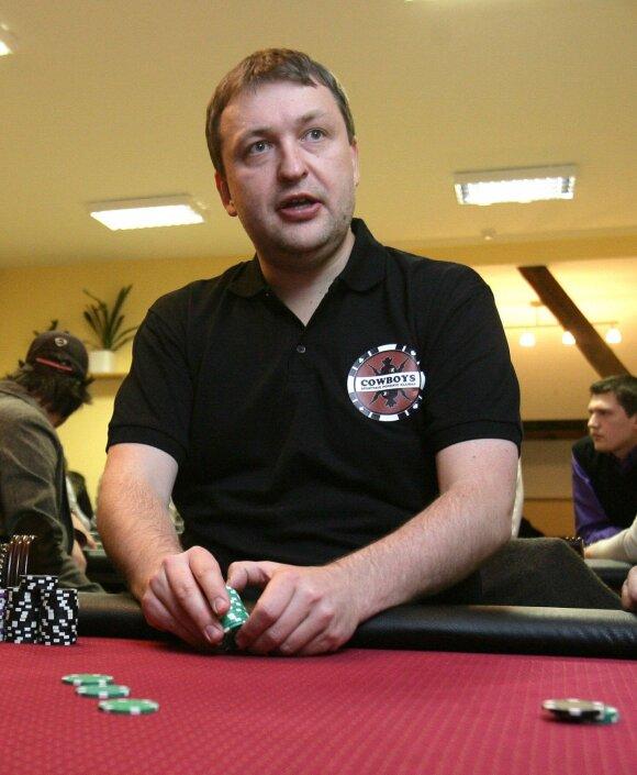 Antanas Guoga prie pokerio stalo