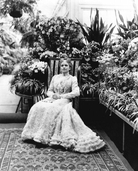 Ida Saxton