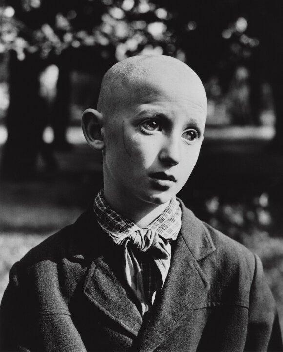 """Antanas Sutkus. """"Aklas pionierius"""" (1962)"""