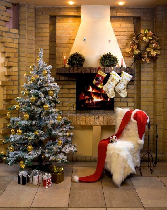 Idėjos, kaip papuošti židinį Kalėdoms
