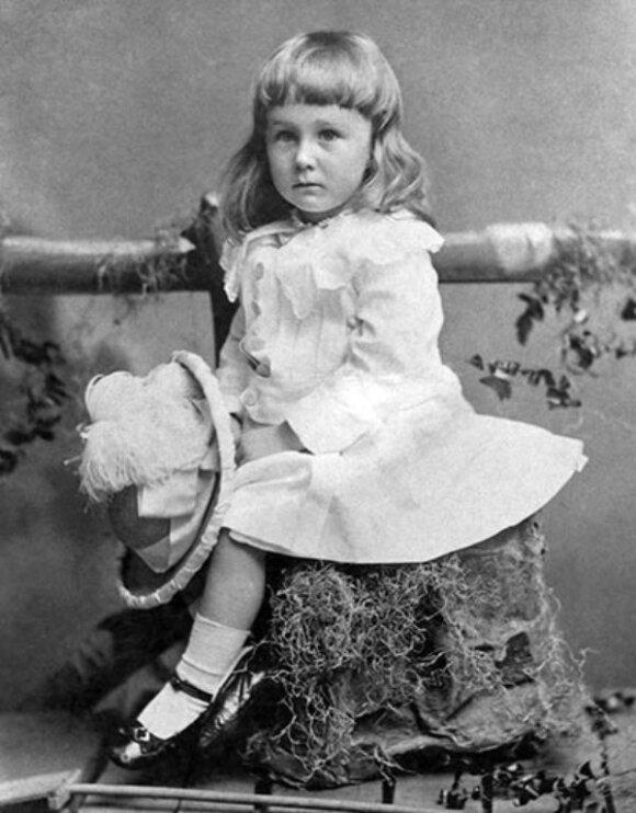Franklinas D. Rooseveltas 1884 m., būdamas 2 m.