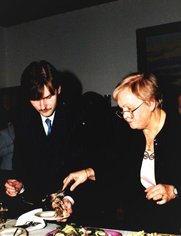 """""""Neužmušamos katės"""" vaidmuo: knyga apie Gražinos Ručytės-Landsbergienės keturių dešimčių patirtis"""
