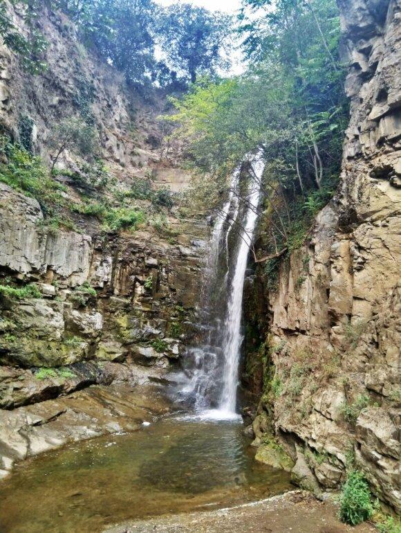 Tbilisio senamiestyje esantis krioklys yra tikras turistų traukos objektas