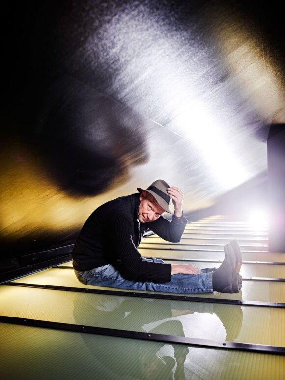 Režisierius Lukas Percevalis atvyksta į Lietuvą: teatras yra rašymas ant smėlio