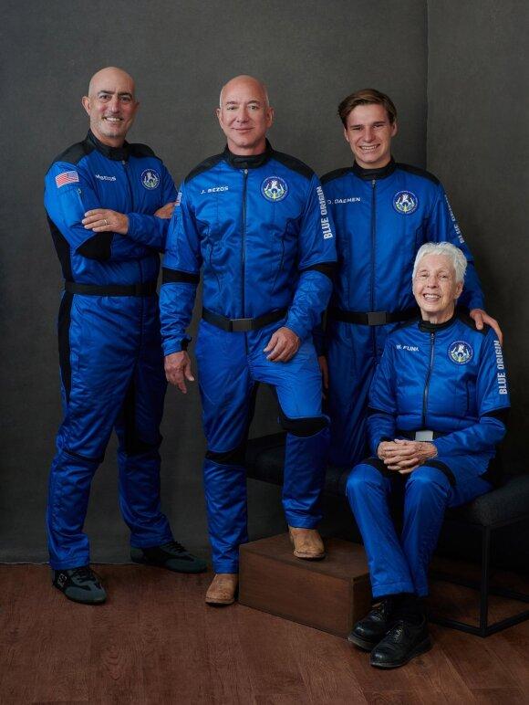Turtingiausias žmogus pasaulyje Jeffas Bezosas kartu su komanda išskris į kosmosą.